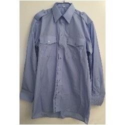 Klasikiniai marškiniai ilgomis rankovėmis.